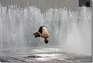 09-08-30a JBLondon Parkour in the Fountains